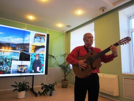 Член соза писателей казахстана м кожахметова